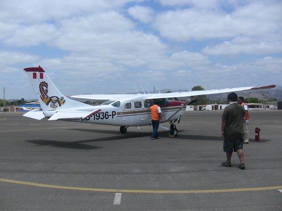Lineas de Nazca: Our plane