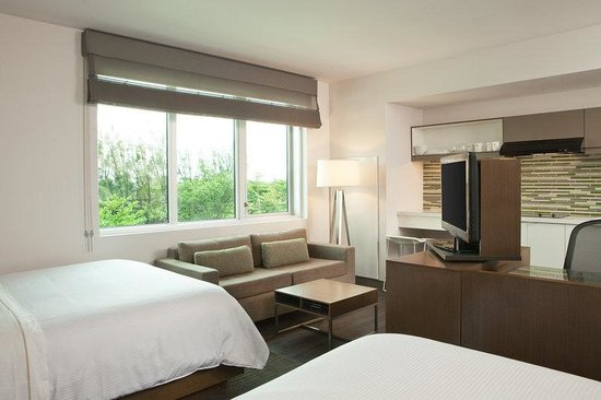 Element Miami International Airport: Double Double Room