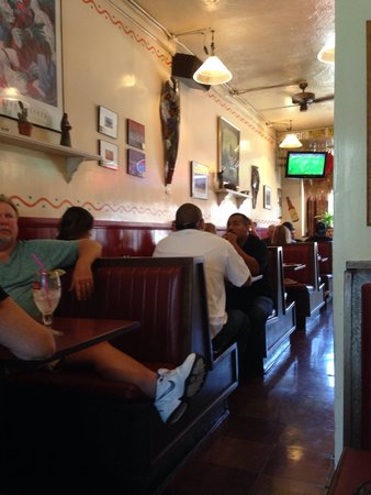 Taqueria Tepatitlan: This place is packed at 2:30 on a Sunday.