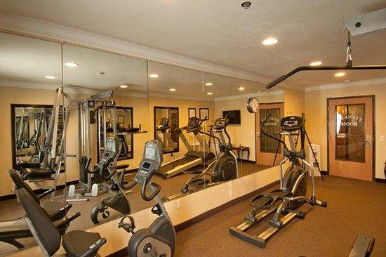 Best Western Plus Corning Inn : Fitness Room