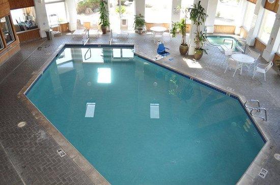Best Western Plus Corning Inn : Indoor Heated Pool and Spa