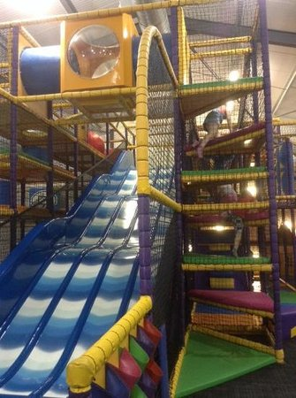 North Walsham, UK: stompers. central slide area