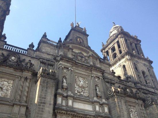 Metropolitan Cathedral (Catedral Metropolitana): Vista de la catedral desde la entrada
