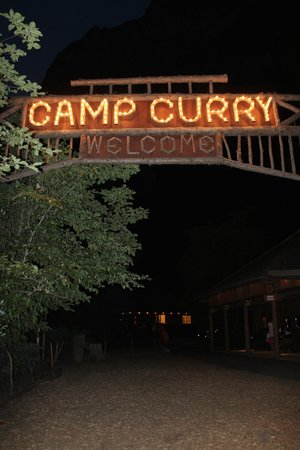 Half Dome Village: camp curry welcome sign