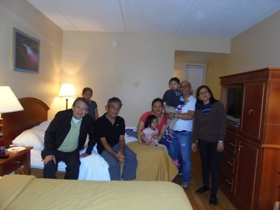 Rodeway Inn Niagara Falls: our room with two big beds