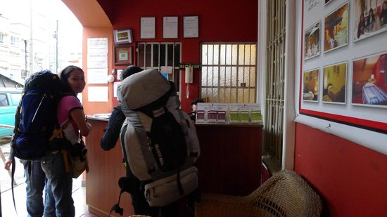 Hitchhikers Backpackers Lima Hostel: Recepcion