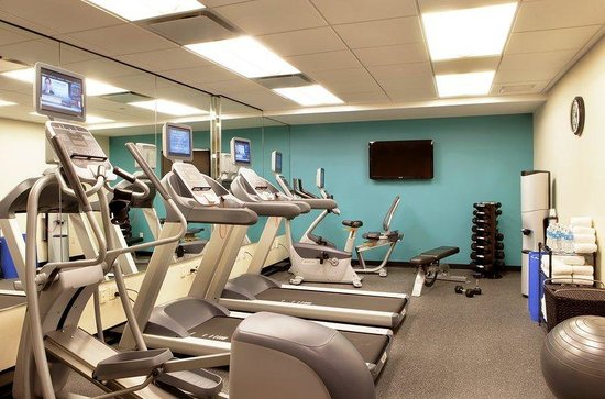 Holiday Inn Express Manhattan Times Square South: Stay in shape at our state-of-the-art fitness center