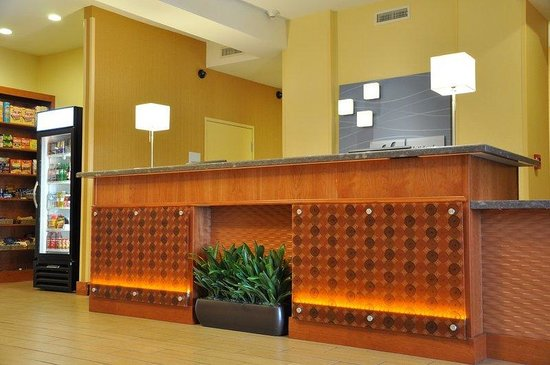 Holiday Inn Express Hotel & Suites Prattville South: Front Desk is accessible and service is available 24 hours.