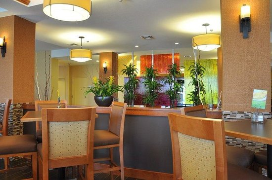 Holiday Inn Express Hotel & Suites Prattville South: Free Hot Express Start Breakfast for Every Guest