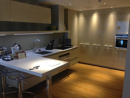 Cheval Three Quays: Kitchen One Bedroomed Apartment