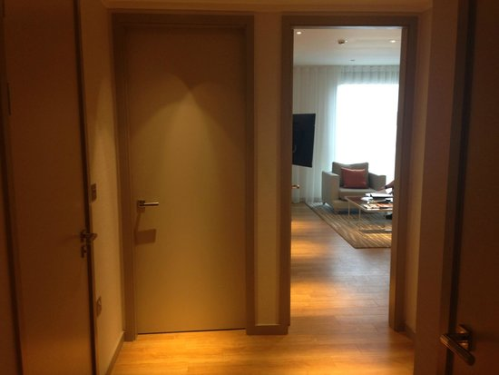 Cheval Three Quays: Hallway in One Bedroomed Apartment