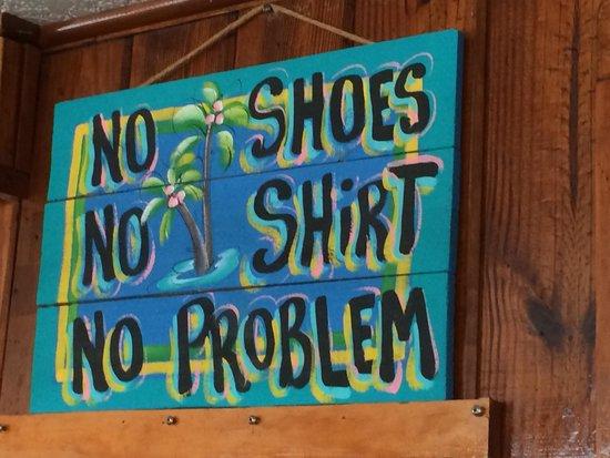 Seahorse Restaurant: Gotta love beachside (lack of) attitude