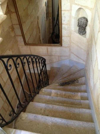 Une Chambre Chez Dupont : Charming staircase