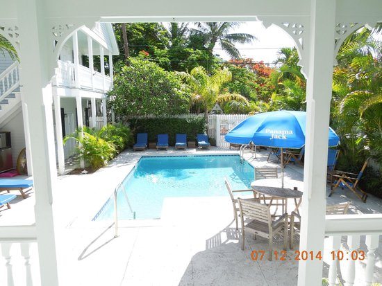 The Conch House Heritage Inn: view of pool from porch