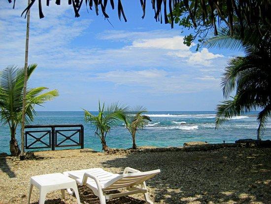 Hotel Villa Caletas: pebble beach