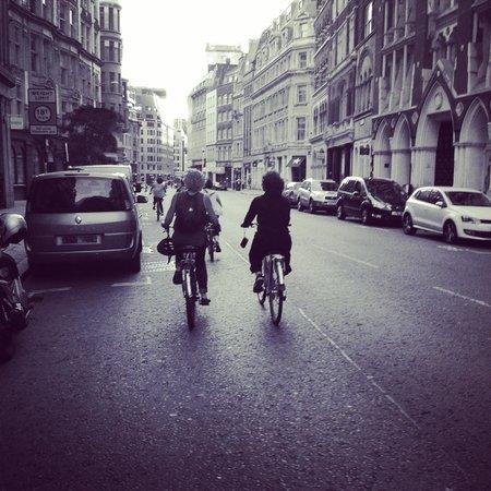 Fat Tire Bike Tours - London: Streets of London