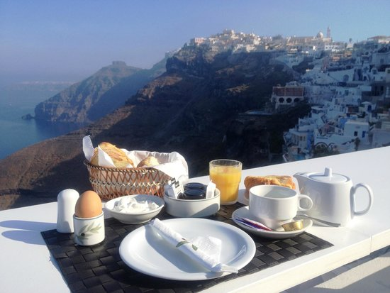 Hotel Thireas: Breakfast with a view