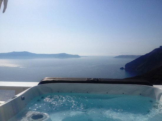 Hotel Thireas: Jacuzzi with a view