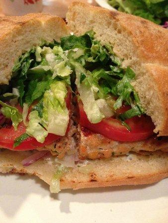 El Pescador Fish Market: salmon burger