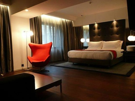 The Mira Hong Kong: Mira Suite 70