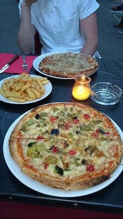 Travelodge Barcelona Poblenou : Local restaurants