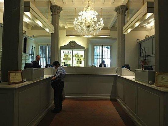 Pharmacy of Santa Maria Novella: The check out desks