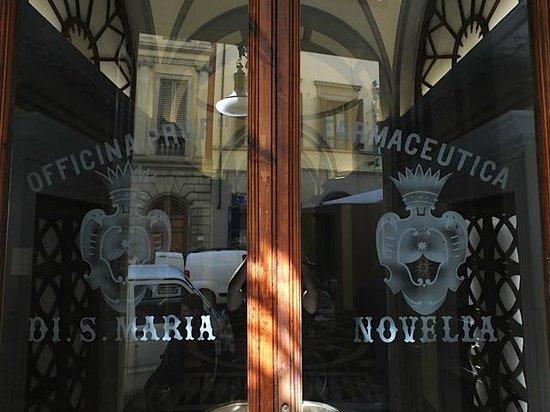 Officina Profumo-Farmaceutica di Santa Maria Novella : The entrance