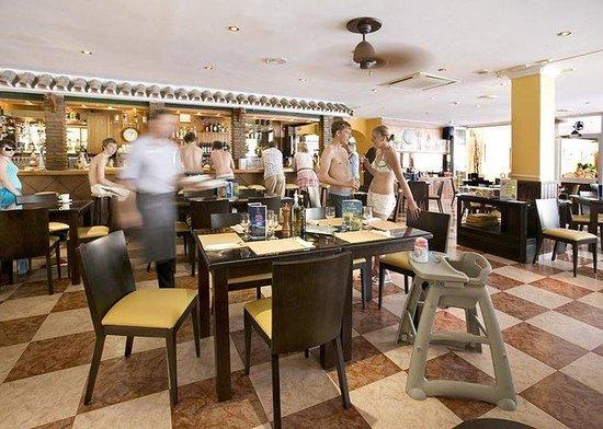 Club Marbella/Regency Palms Crown Resort: Cafe Marbella