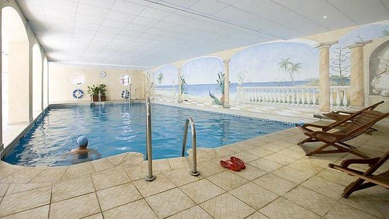 Club Marbella/Regency Palms Crown Resort: Indoor Heated Pool