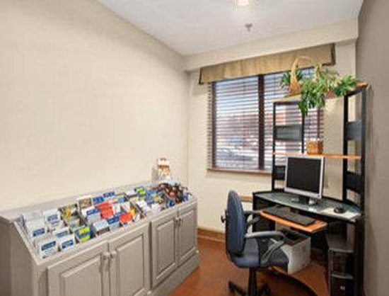 Travelodge Suites Saint John : Business Center