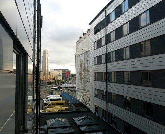 Tallink Hotel Riga : die Zimmer liegen sich gegenüber... nur wenige Meter voneinander getrennt