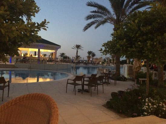 IBEROSTAR Royal El Mansour & Thalasso: Pool bar at night