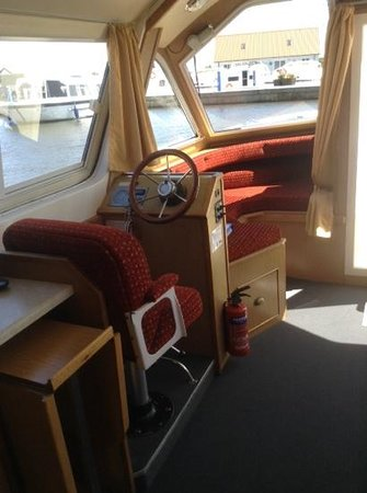 Helm position sofa bed folding table picture of herbert woods day boat hire norwich - Sofa herbergt s werelds ...