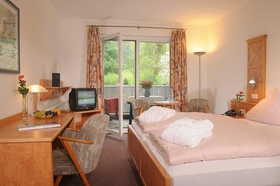 TOP VCH Hotel Zur Burg Sternberg_Guest Room