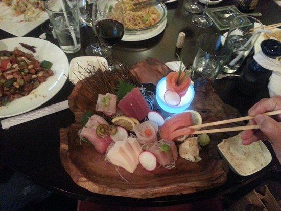 Koi Asian Fusion Lounge: Best Sashimi!