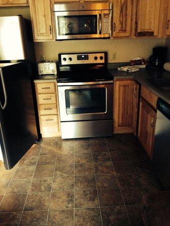Fawn Valley Inn: Kitchen