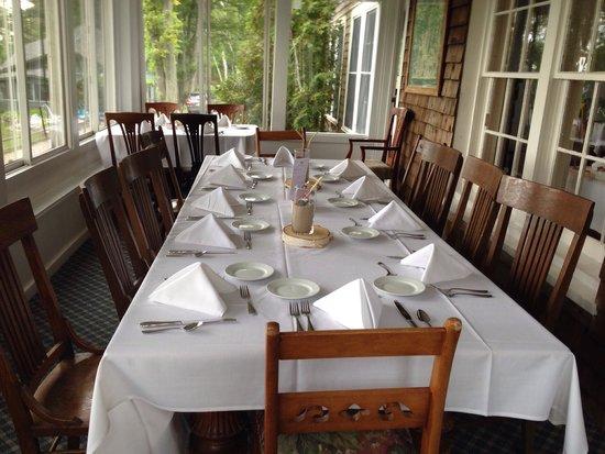 Chimney Corners Resort: Friday Night Dinner on the Porch