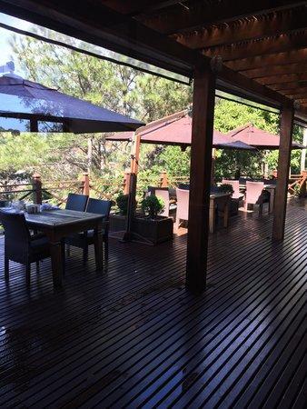 Ponta dos Ganchos Exclusive Resort: Local café da manhã! Vista linda panorâmica para o mar!