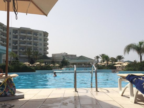 IBEROSTAR Royal El Mansour & Thalasso: Huge pool area