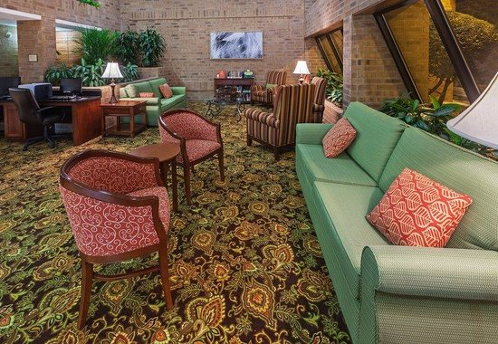 Country Inn & Suites By Carlson, Tulsa Central: Country Inn Suites Tulsa OKLobby