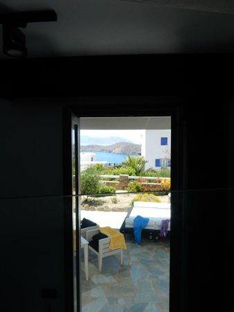 Liostasi Hotel & Suites : la vue depuis le lit à l'étage