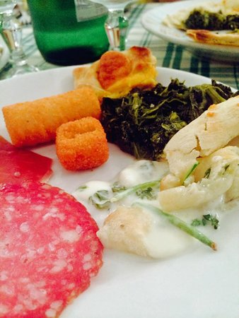 Hostaria - Pizzeria  Dino & Toni: One plate with antipasti and tiny bit of pasta