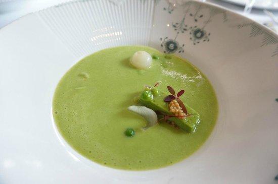 L'Espalier: Pea soup