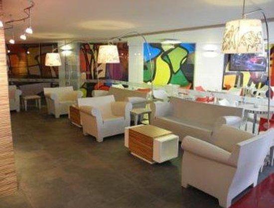 City Express Ciudad de Mexico Alameda: Coffee Shop Seating Area