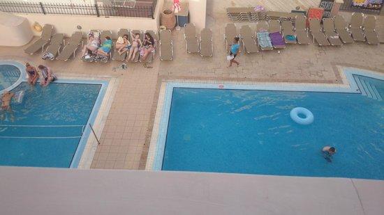 Ilios Malia Apartments: the pool