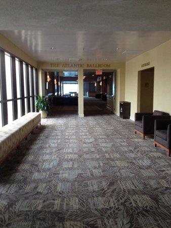 Wyndham Virginia Beach Oceanfront: Hallway