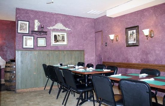 Isabella's: More seating