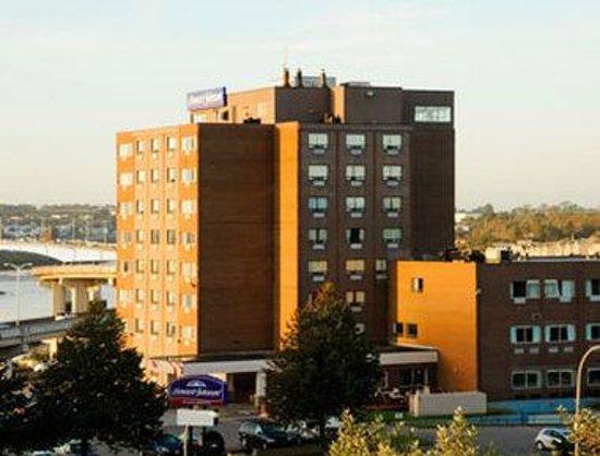 Canadas Best Value Inn : Welcome To Howard Johnson Fort Howe Plaza