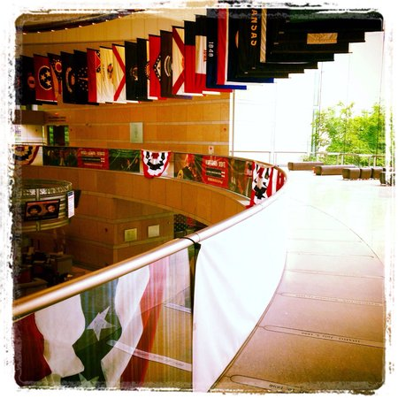 National Constitution Center: More flags