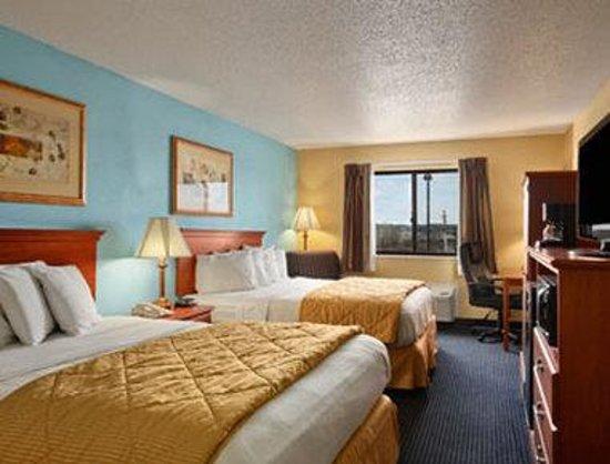 Baymont Inn & Suites Warrenton : Standard 2 Queen Bed Room